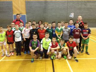 P6 and P7 footballers attend gaelic blitz
